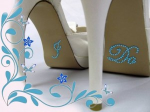 29 - Wedding shoe diamante @ R75 per packet
