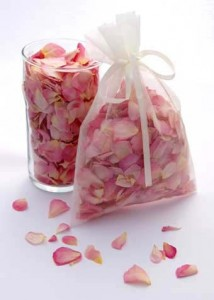 26 - Dried rose confetti in organza bag - R28