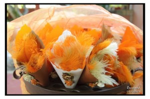 13 - Feather confetti – R15 per packet