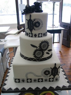 Traditional African Wedding Cakes 2 Black White R3990 Each