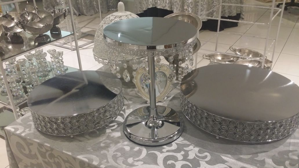 crystal wedding cake table cake stands the wedding warehouse 13130